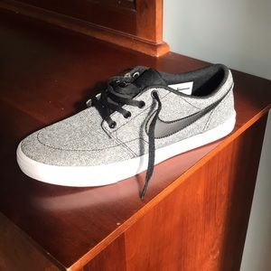 Nike SB Portmore Black/Gray/white